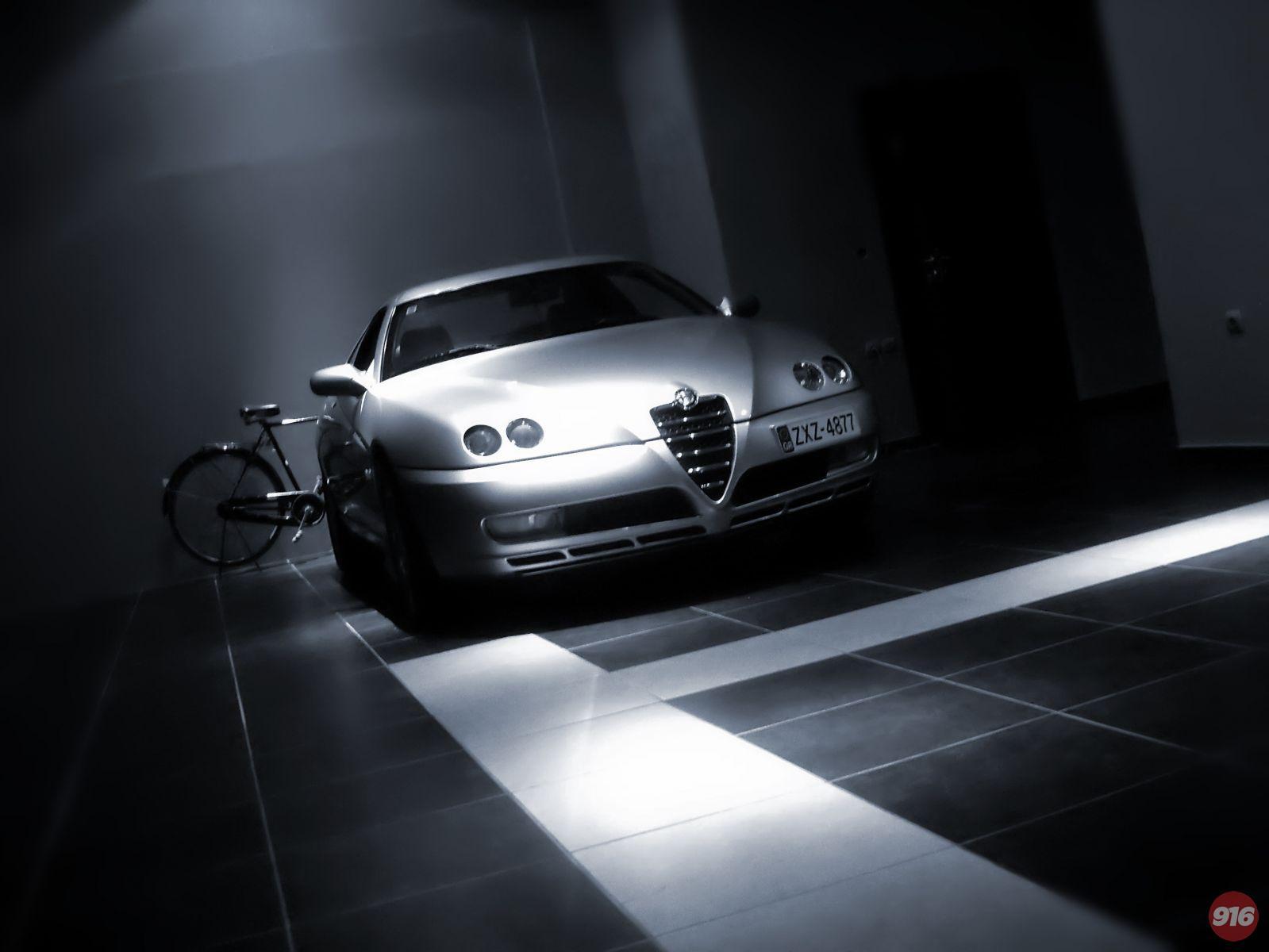 Alfa Romeo Gtv 3.2 V6 24V sleeping at the garage....